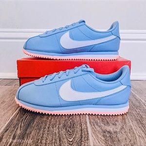 NWT Nike Cortez Basic SL Sneakers Peach Blue